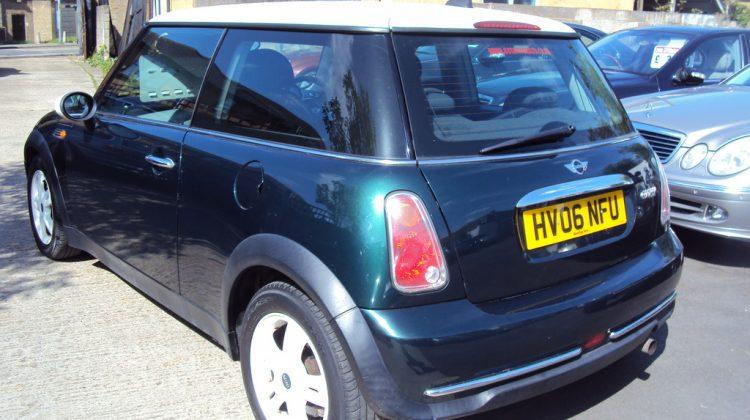 Mini Cooper – 1.6 Petrol – With MOT & Service History – 2006 Year – £1,899