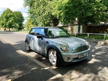 W12: GREAT CONDITION/LOW MILEAGE MINI COOPER HATCHBACK FOR SALE IN SHEPHERDS BUSH
