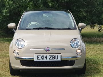2014 FIAT 500 LOW MILEAGE 1 P/owner pan roof